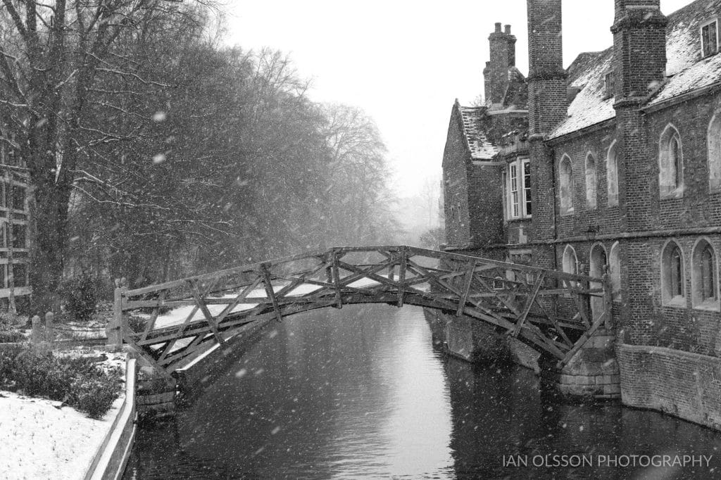 Mathematical Bridge at Queens' College Cambridge in the snow