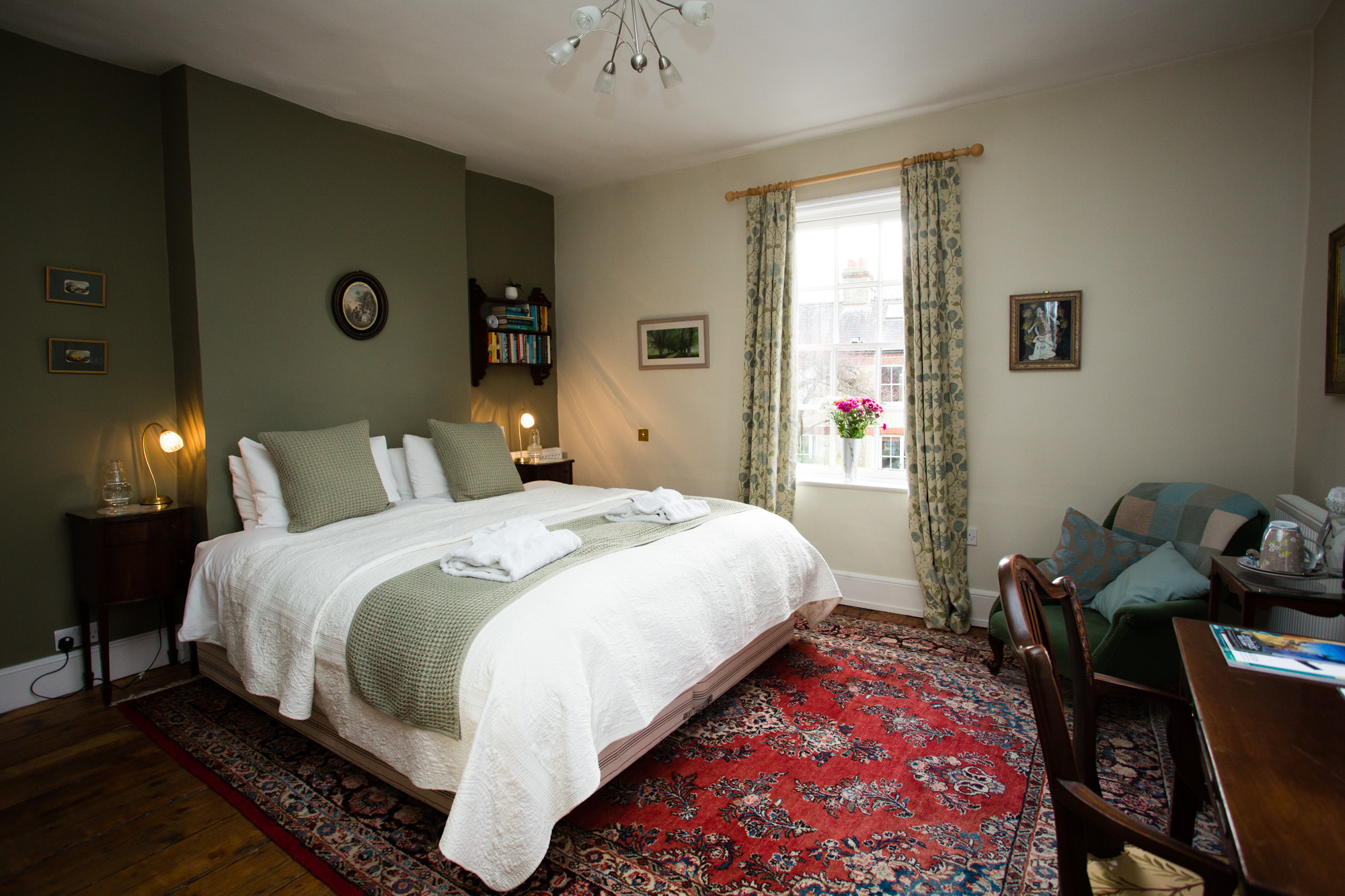 BnB Bed and Breakfast Photos Chapel Street Cambridge